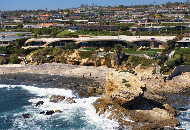 portabello estate mansion california cameo shores corona del mar 2 The Portabello Estate in Orange County [25 photos]