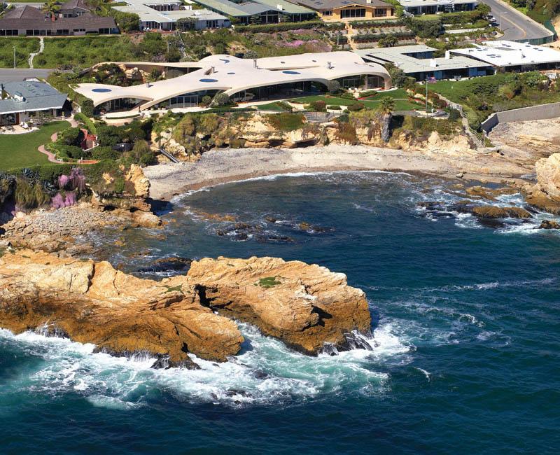portabello estate mansion california cameo shores corona del mar 3 The Portabello Estate in Orange County [25 photos]