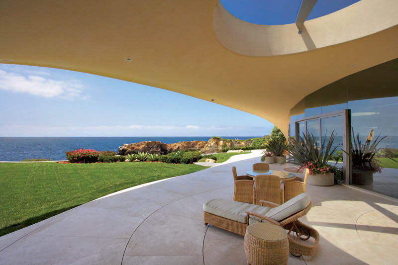 portabello estate mansion california cameo shores corona del mar 4 The Portabello Estate in Orange County [25 photos]