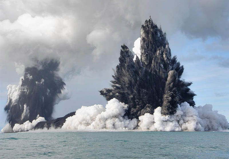 tonga underwater volcano eruption 2009 30 Incredible Photos of Volcanic Eruptions