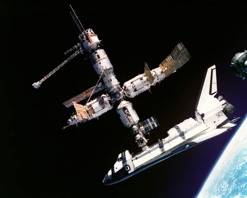 us atlantis space shuttle docking to mir space station 1995 This Day In History   June 29th