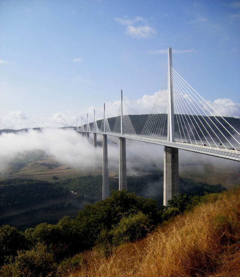 worlds tallest bridge millau viaduct france 10 The Tallest Bridge in the World [20 pics]
