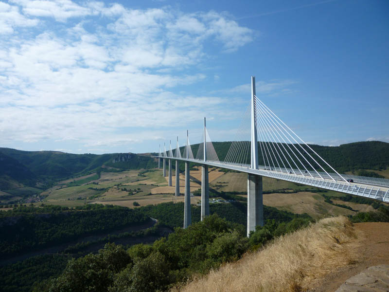 worlds tallest bridge millau viaduct france 13 The Tallest Bridge in the World [20 pics]