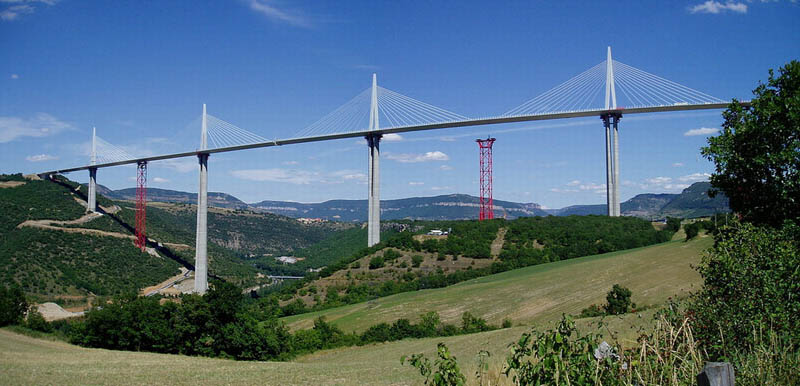 worlds tallest bridge millau viaduct france 16 The Tallest Bridge in the World [20 pics]