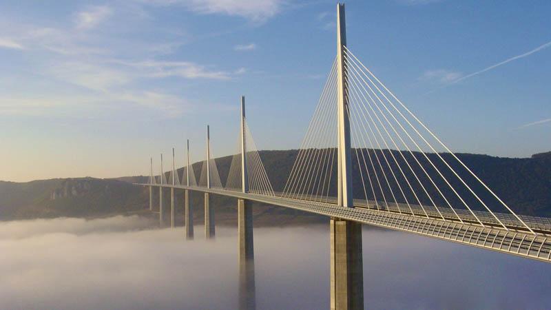 worlds tallest bridge millau viaduct france 2 The Tallest Bridge in the World [20 pics]