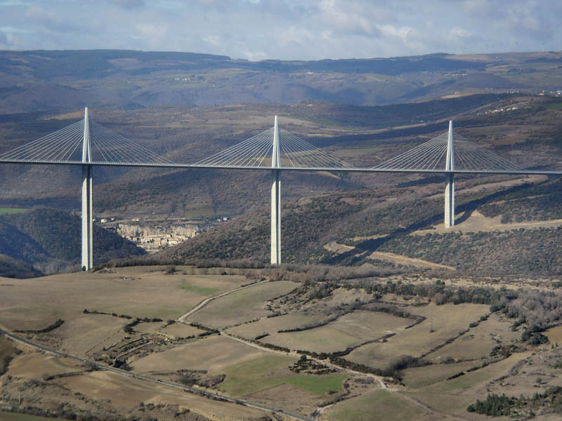 worlds tallest bridge millau viaduct france 4 The Tallest Bridge in the World [20 pics]