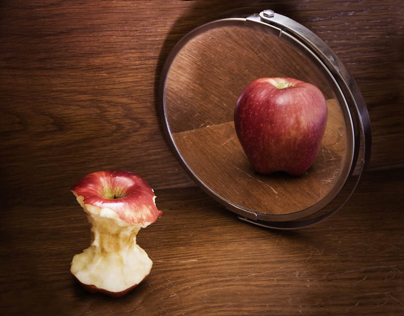 Picture of the Day: Anorexic Apple