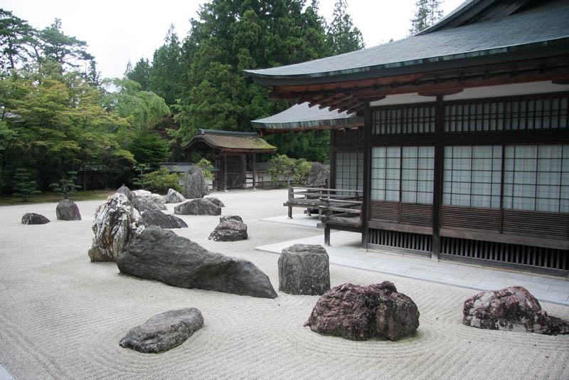 koyasan rock garden 20 Stunning Japanese Gardens Around the World