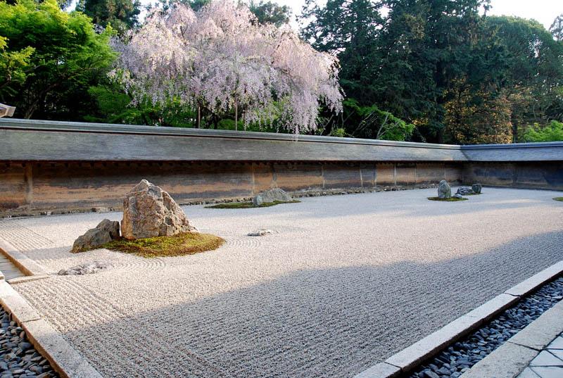 ryoan ji zen garden japan 20 Stunning Japanese Gardens Around the World