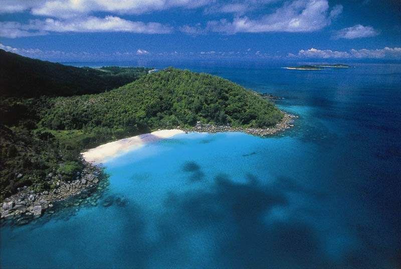 seychelles lemuria resort The Stunning Beauty of Seychelles [25 pics]