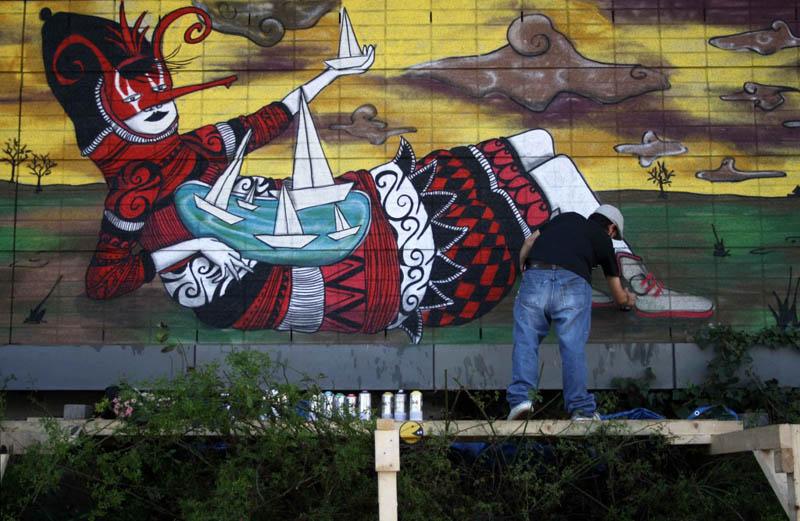 skount street art illustrations graffiti 17 Astonishing Street Art Murals by Skount