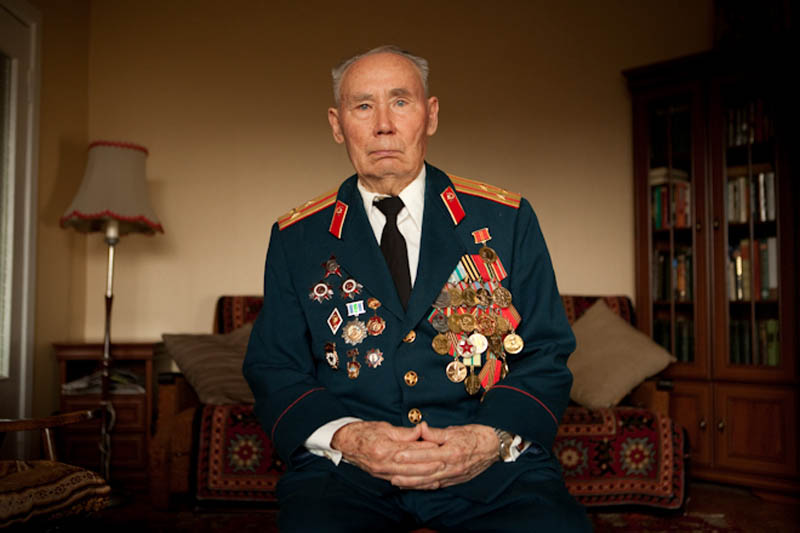 wwii veterans portraits konstantin suslov 25 Honoring the Veterans of World War II [25 pics]