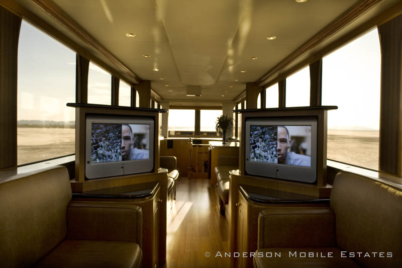 ashton kutchers trailer mobile home anderson 4 Anderson Mobile Estates: Luxury Trailers to the Stars