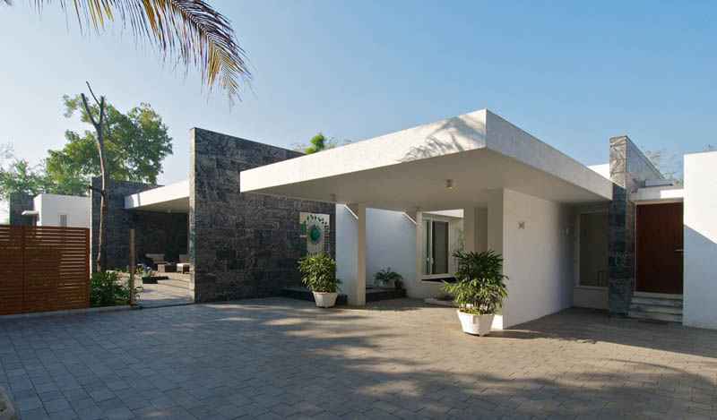 Beautiful bungalow in india by atelier dnd twistedsifter for Indian bungalow designs photo gallery