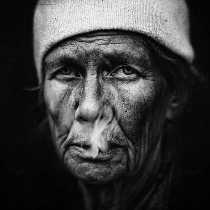 homeless black and white portraits lee jeffries 12 Gripping Black and White Portraits of the Homeless by Lee Jeffries