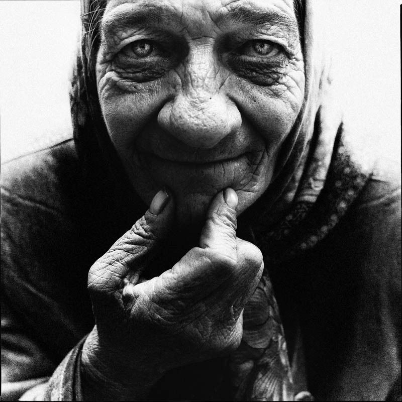 homeless black and white portraits lee jeffries 20 Gripping Black and White Portraits of the Homeless by Lee Jeffries