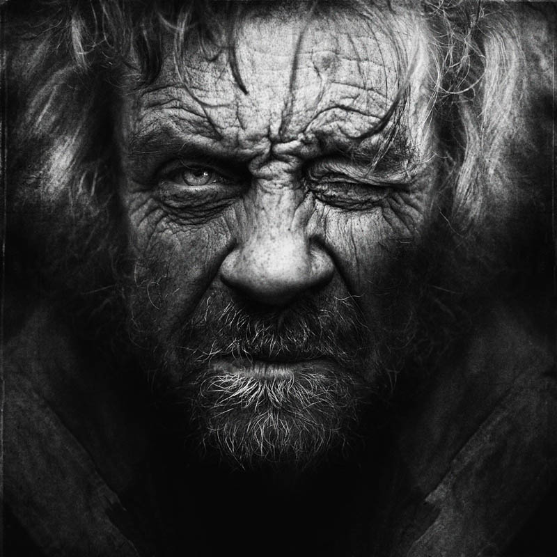 homeless black and white portraits lee jeffries 22 Gripping Black and White Portraits of the Homeless by Lee Jeffries