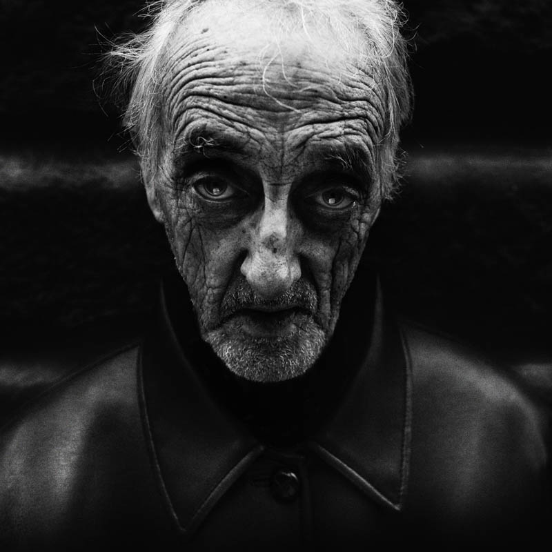 homeless black and white portraits lee jeffries 25 Gripping Black and White Portraits of the Homeless by Lee Jeffries