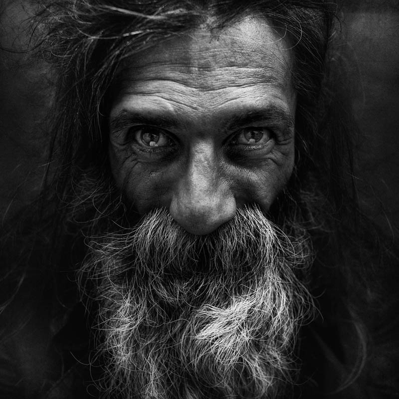 homeless black and white portraits lee jeffries 40 Gripping Black and White Portraits of the Homeless by Lee Jeffries