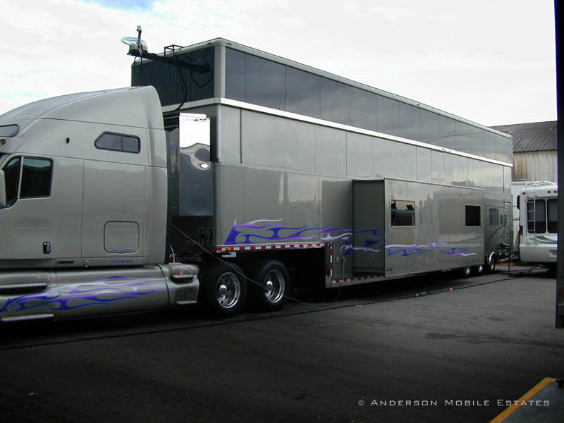 mobile studio anderson 9 Anderson Mobile Estates: Luxury Trailers to the Stars