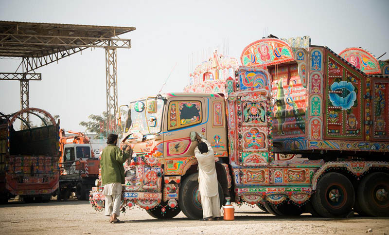 decorative pakistan truck art 12 Decorative Truck Art from Pakistan