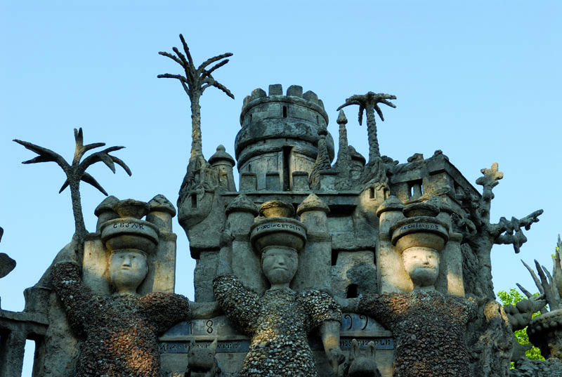 ideal palace ferdinand cheval eg 2 Postman Spends 33 Years Building Palace by Hand [25 pics]