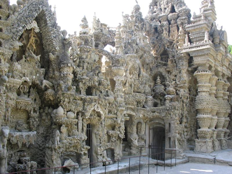 ideal palace palais ideal ferdinand cheval 16 Postman Spends 33 Years Building Palace by Hand [25 pics]