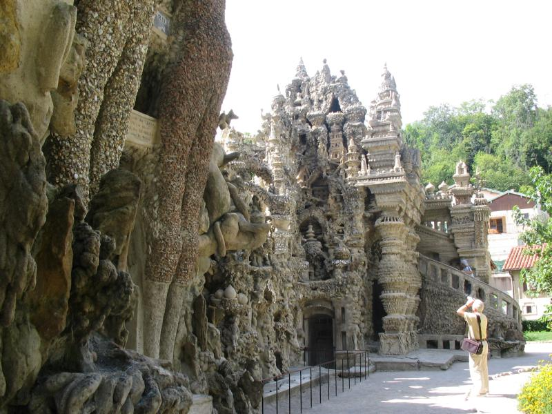 ideal palace palais ideal ferdinand cheval 2 Postman Spends 33 Years Building Palace by Hand [25 pics]