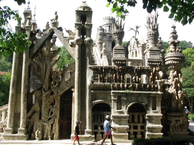 ideal palace palais ideal ferdinand cheval 3 Postman Spends 33 Years Building Palace by Hand [25 pics]