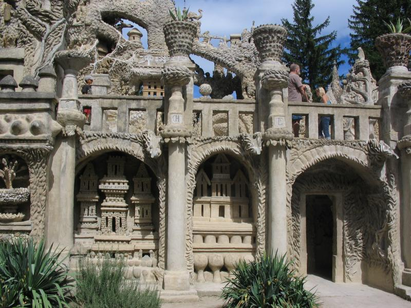 ideal palace palais ideal ferdinand cheval 8 Postman Spends 33 Years Building Palace by Hand [25 pics]