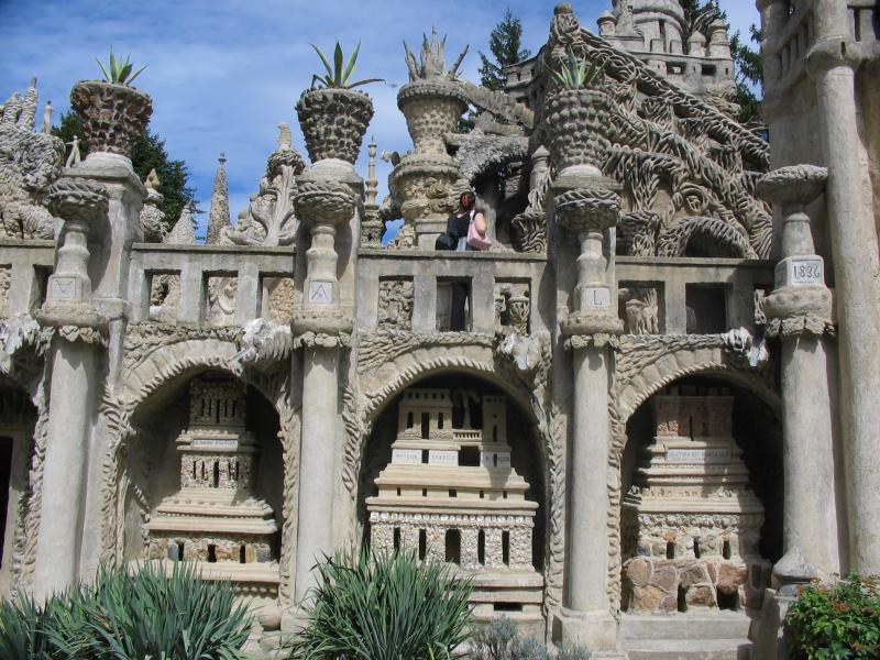 ideal palace palais ideal ferdinand cheval 9 Postman Spends 33 Years Building Palace by Hand [25 pics]