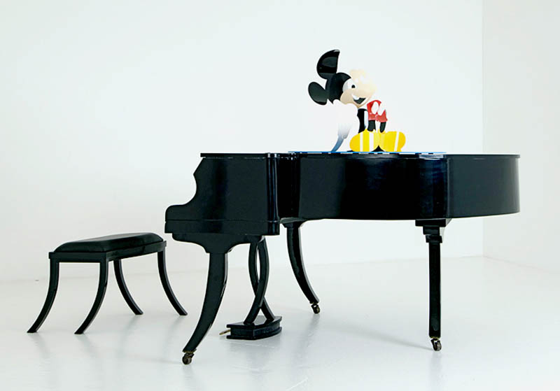 mickey mouse wobbly piano perspective sculpture james hopkins 1 Awesome Cartoon Perspective Sculptures by James Hopkins