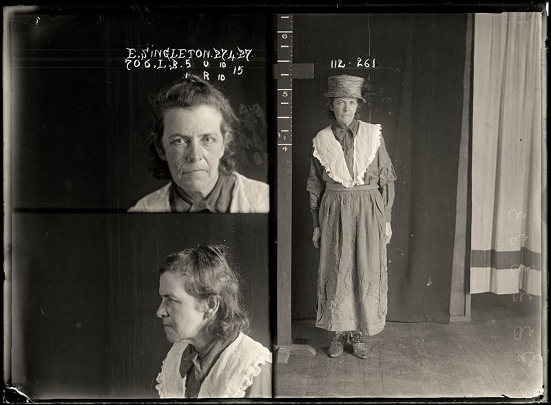 vintage female mug shots 12 copy Femme Fatales: 35 Vintage Female Mug Shots