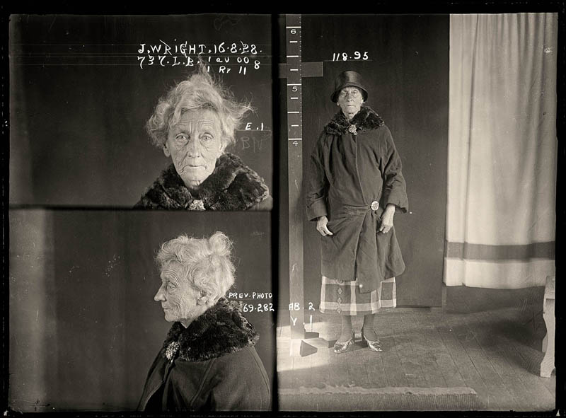 vintage female mug shots 18 Femme Fatales: 35 Vintage Female Mug Shots