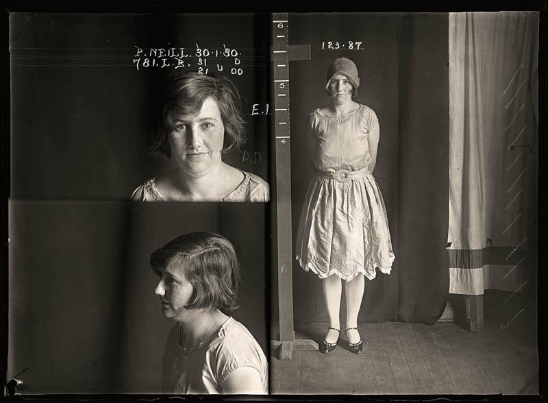 vintage female mug shots 38 Femme Fatales: 35 Vintage Female Mug Shots