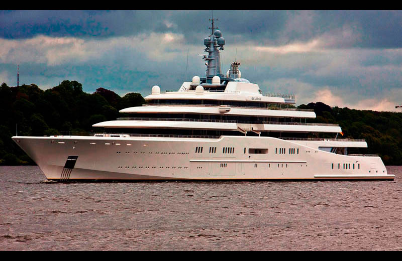 Eclipse the largest private yacht in the world for Largest private boat