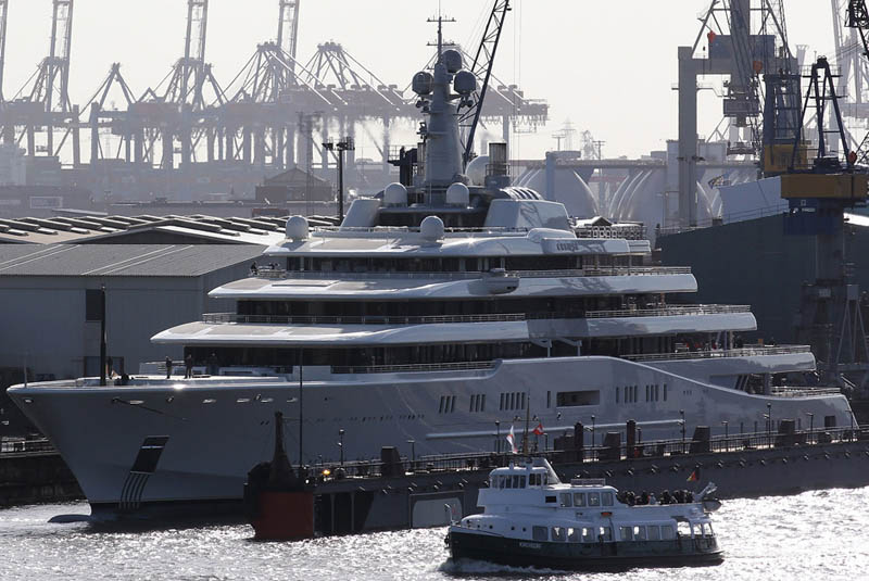 worlds biggest largest yacht eclipse roman abramovich 6 Eclipse   The Largest Private Yacht in the World