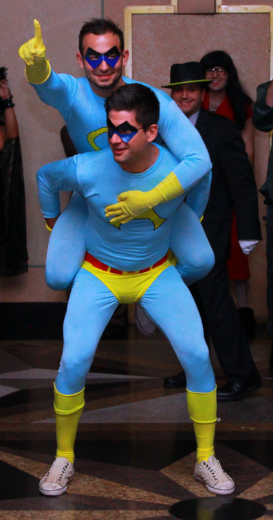 Ace u0026 Gary (Ambiguously Gay Duo). ace and gary hilarious halloween costume ...  sc 1 st  TwistedSifter & 25 Hilarious Halloween Costumes from the Weekend «TwistedSifter
