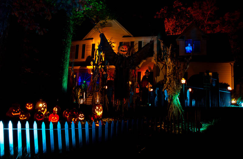 halloween front yard displays setups 12 15 Awesome Front Yard Halloween Displays