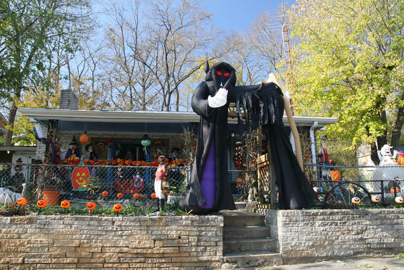 halloween front yard displays setups 3 15 awesome front yard halloween displays - Front Yard Halloween Decorations