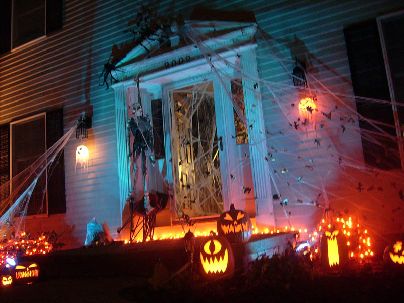 halloween front yard displays setups 6 15 Awesome Front Yard Halloween Displays
