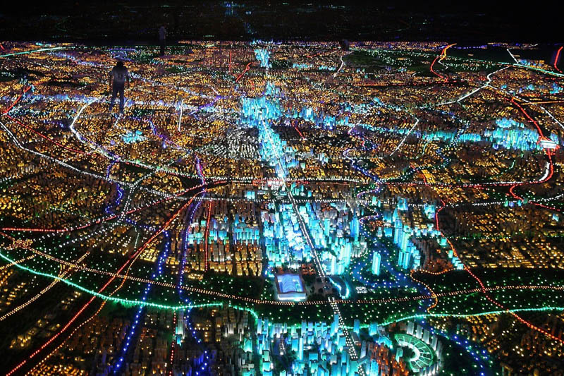 Pictures Of Toy Models Of Cities : Picture of the day bright lights big city «twistedsifter