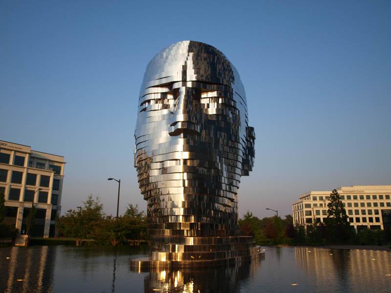metalmorphosis david cerny stainless steel head sculpture north carolina 16 Metalmorphosis: Incredible Moving Sculpture by David Cerny