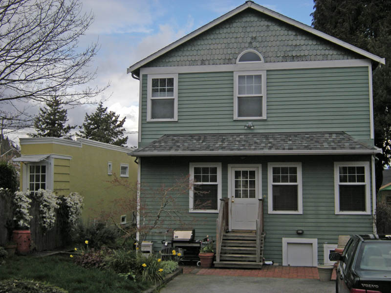 montlake spite house seattle washington 8 Homes Built Out of Spite