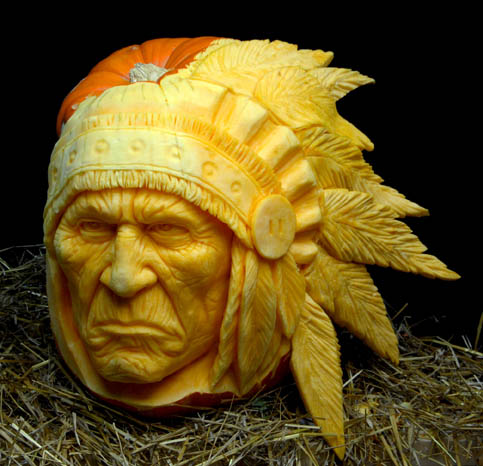 most amazing pumpkin carving ray villafane 1 10 Jaw Dropping Pumpkin Carvings by Ray Villafane