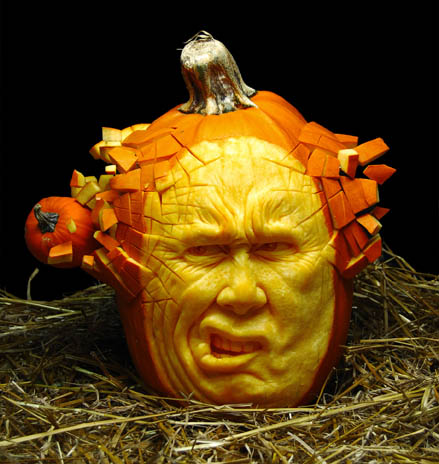 most amazing pumpkin carving ray villafane 8 10 Jaw Dropping Pumpkin Carvings by Ray Villafane