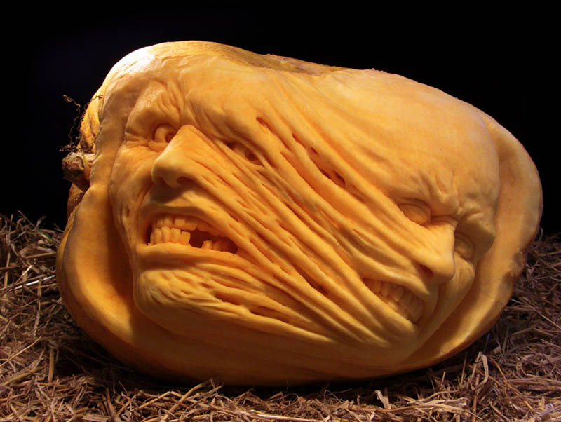 most amazing pumpkin carving ray villafane 9 10 Jaw Dropping Pumpkin Carvings by Ray Villafane