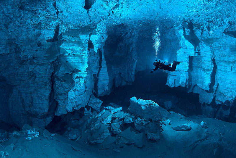 Picture of the Day: Incredible Underwater Cave in Russia