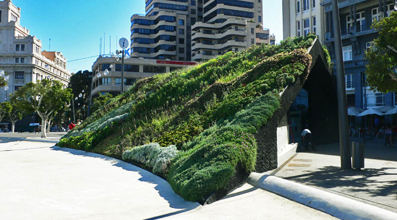 plaza de espana santa cruz de tenerife vertical wall garden 15 Incredible Vertical Gardens Around the World