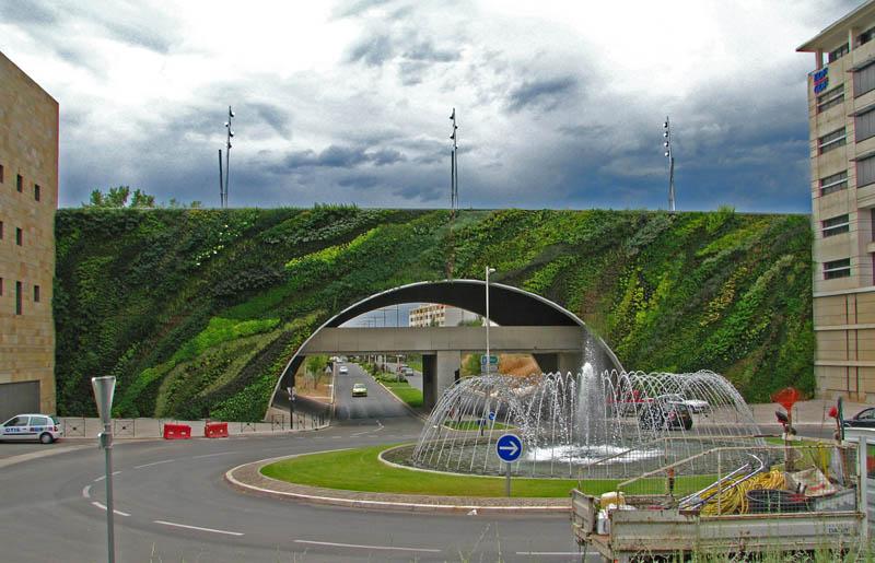 pont max juvenal aix en provence 6 15 Incredible Vertical Gardens Around the World